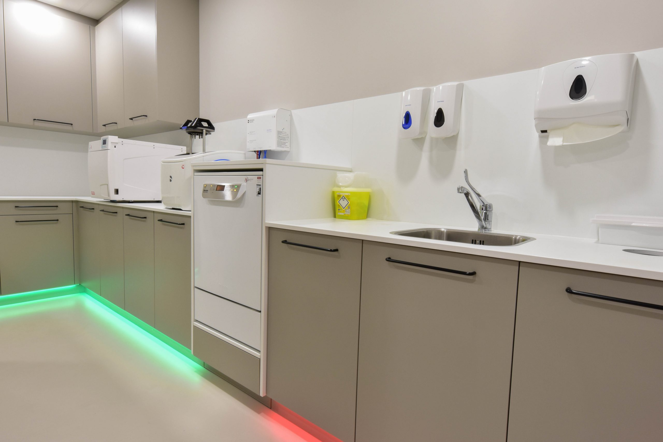 Sterilisatieruimte tandarts - Lemmens interieurs
